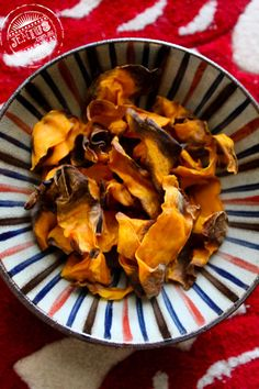 Airfryer Sweet potato crisps  These were a little trickier to air-fry as the sweet potatoes were shaved so thin, they clung onto each other once they were coated in a bit of oil. So I had to be careful with how they were placed in the Airfryer but other than that, these were definitely a delicious wholesome alternative to its deep-fried twin!