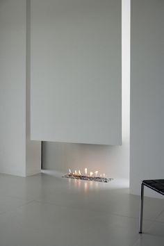 Modern fireplace / PK Arkitektar | B25 House in Iceland
