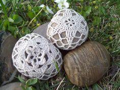 Tul y Tulipanes: Decora tu boda con piedras de crochet