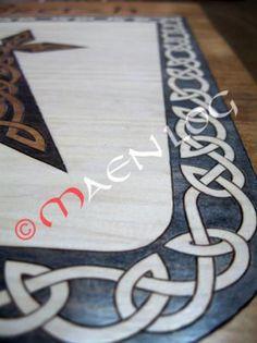 cuadro celta  madera de pino,tintes de color pirograbado,pintado a mano