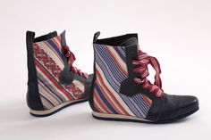 Image of Lace-Ups red and blue stipes (#3)