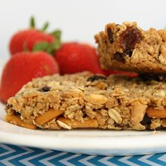 Gluten Free Cinnamon #Chex Trail Mix Granola Bars | the perfect combo of salty  sweet!