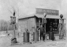 Arch Rose Gas Station in Mundys Corner, Jackson Township, Pennsylvania
