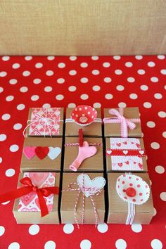 CUTE gift wrapping! Be My Valentine Party with SUCH CUTE Ideas via Kara's Party Ideas