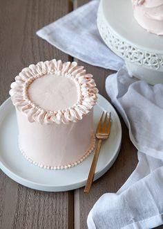 ♔ ruffle cake (recipe)