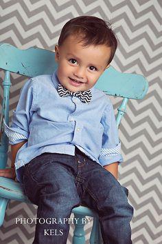 Boy's Bow Tie - Black and White Chevron - Adjustable Velcro Closure.