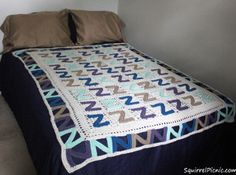 Snooze Blanket | Catch some z's with this free afghan pattern!