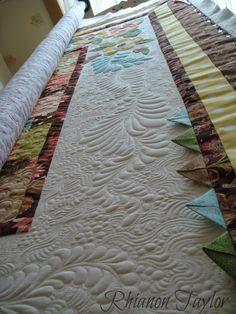 The Nifty Stitcher: Breakfast at Tiffanys Lap Quilt - finished!