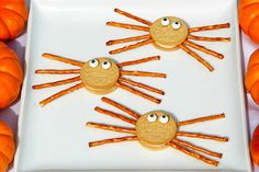 Spider Oreos are an easy Halloween kids recipe. Hand your kids the ingredients and let them assemble this cute dessert, because they are very EASY to make. Halloween food.