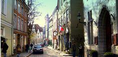 Shops In Tallinn –Pikk, Vene And Lai Streets. Hg2Tallinn.com. shop area, street shop