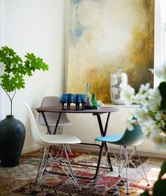 Display a large painting for a statement. #rowenamurillo
