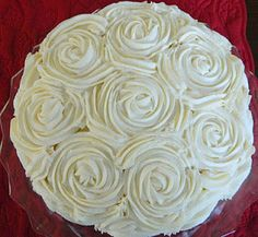 How to decorate a rose cake