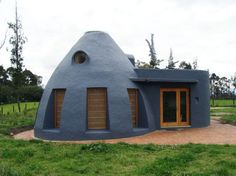 Dome Shaped Earth Bag House Keeps Residents Naturally Cool in Colombia
