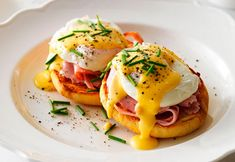 A beautiful Eggs Benedict.  I feel like I need to start here being this is our Breakfast section in school the next couple weeks.  I'll be making a lot of these babies over the hext couple weeks.  With home made hollandaise of course... It is one of the nmother sauces after all!