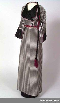 Women's Suit-1910s, Digitalt Museum