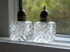 Personal salt and pepper shakers