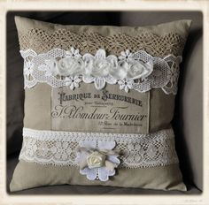 French pillow - LOVE the design (from the Graphics Fairy), lace,burlap, and flowers - I especially like the beige lace on top and flat lace below - very nice! From Guriana - #pillow #French #transfer #burlap #lace #sewing #crafts #homedecor - tå√
