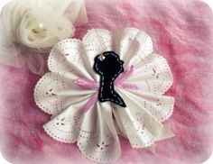 Lady Wilhelmina- handmade textile brooch with lady silhouette