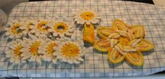 sunflow kitchen, sunflower kitchen, kitchen item, crochet kitchen, kitchen set, daisi, crochetkitchen
