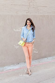 Love how @Kendi Everyday creates many outfits from this peach skinnies and brings it up a notch with this bright purse!