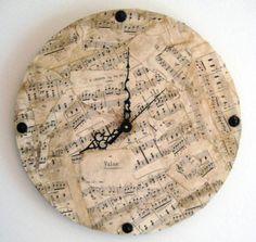 Sheet music clock