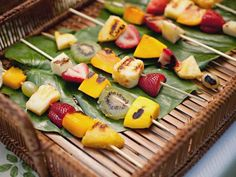 luau parti, luauparti, luau food, parties, decorating ideas, fruit kabobs, summer parti, skewer, hawaiian luau