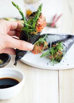 handrol, smoked salmon, food, fast recipes, wakam salad, smoke salmon, asparagus, healthy recipes, salads