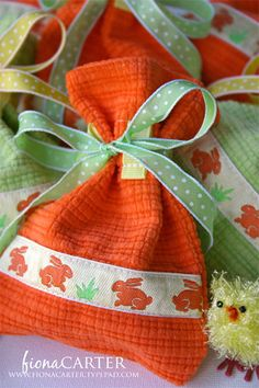 new tutorial has been added to the website | little fabric bags decorated with ribbon : Ribbons Galore, your online store for the best ribbons.