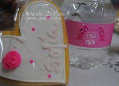 Cookies personalizadas. Galletitas personalizadas para un Baby Shower http://antonelladipietro.com.ar/blog/2013/04/babyshower-rosado/