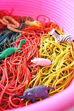Spaghetti Sensory #kids #play #sensory