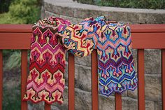 Ravelry: AndreSue's Fox Paws scarf
