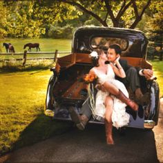 Country wedding: add to shot list for wedding photographer.