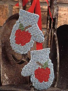 Apple Mittens