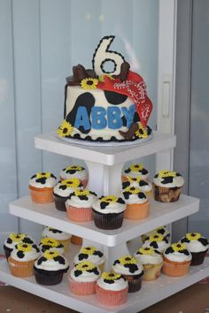 Cow cake & cupcake with out flowers