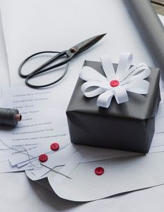åpent hus: Å gi er å få / giftwrapping