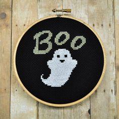 A hauntingly cute Halloween cross stitch design. #Halloween #ghost #cute #cross_stitch #stitchery #crafts