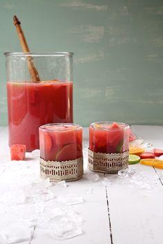 SANGRIA DE SANDIA, FRESAS Y LIMON (watermelon strawberry citrus sangria)