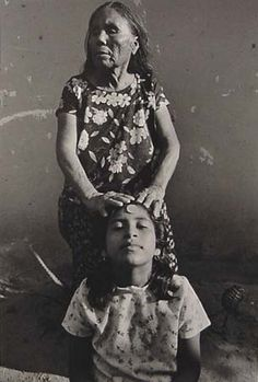 Curandera.  Photo by Graciela Iturbide