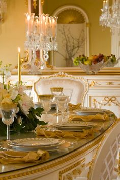 The ultimate luxury in dinning!!!  Just give me a table w/ good food surrounded by close family & friends and I'm living luxuriously.