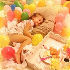 Sweet idea for a child's birthday - breakfast and balloons in bed!!