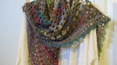 half granny crochet shawl - free #crochet shawl pattern