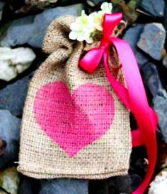 #DIY #crafts #Valentine's Day #giftwrapping ideas ToniK ⓦⓡⓐⓟ ⓘⓣ ⓤⓟ #burlap treat bags www.celebrations.com/c/read/burlap-valentines-day-treat-bags