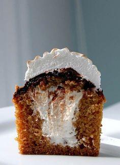 Smore Graham Cracker Cupcakes