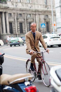 milan, woman fashion, sartorialist, suit, la bicyclett, streetvia catena