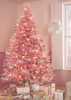 pink christmas tree domino