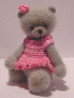 Miniature Thread Artist Teddy  Bear Crochet accessory pattern for Gloria by Joanne Noel of Bayou Bears