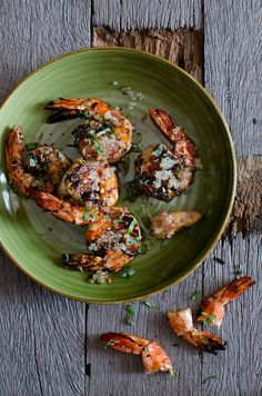Garlic & Chili prawns with Pepperberry, Saltbush & finger lime | He Needs Food
