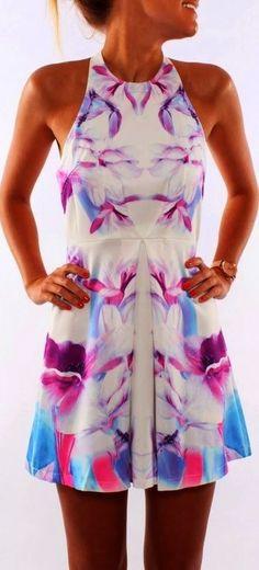 Beautiful sleeveless floral summer mini dress #welovecolors