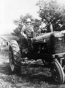 Love these old Farmall tractors