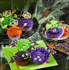 Easy & scary-cute Halloween cupcakes, cookies and treats - ideas, recipes & how-to's for a kids Halloween party! halloween parties, halloween cupcakes, cooki, cupcake decorating ideas easy, cute cupcakes for kids, treat
